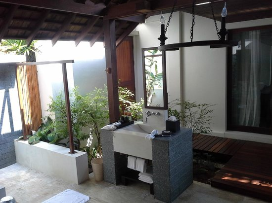SALA Samui Resort And Spa : salle de bain