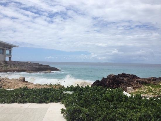 Four Seasons Resort and Residences Anguilla: view from Aleta pool