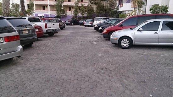 Oceano Palace: estacionamiento