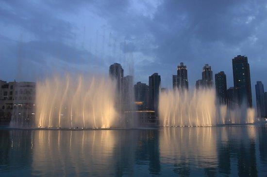 The Dubai Fountain: stupende