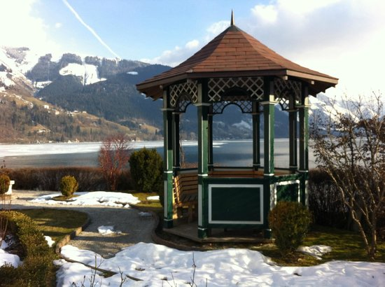 Grand Hotel Zell am See: lake