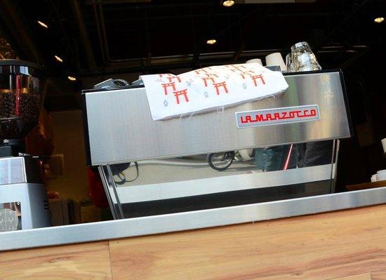 Vermillion - espresso bar & info. : the equipment