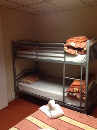 The Albany Hotel on Albert Road: Family room double and bunks