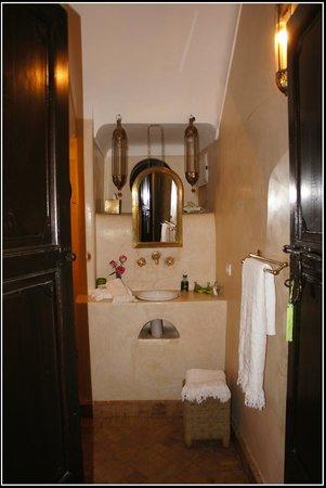 Riad Houdou : ma jolie salle de bain