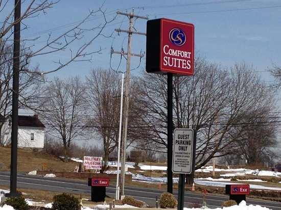 Comfort Suites Gettysburg: View from Parking Lot