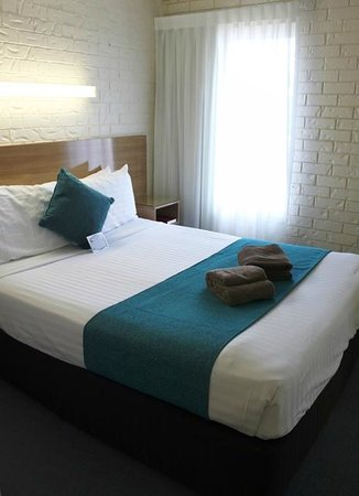 Best Western Sunnybank Star Motel: 2 Bedroom Town House - main bedroom