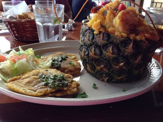 Richie's Cafe : AMAZING pineapple rice and shrimp!!!  If you like pineapple and shrimp, this is incredible!!!