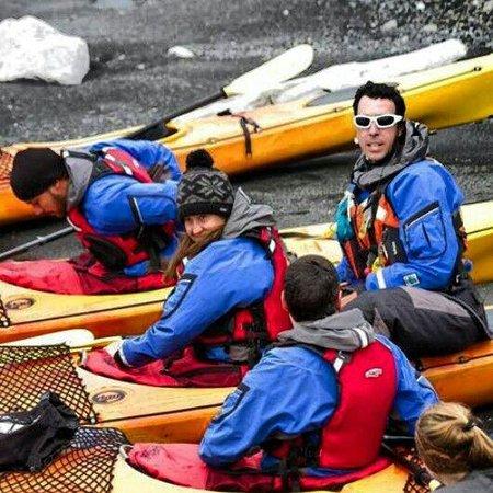 Upsala Kayak Experience: Preparandonos para remar entre icebergs
