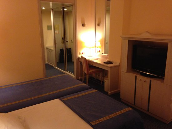 Ayre Hotel Sevilla: Vista de la entrada de la habitación