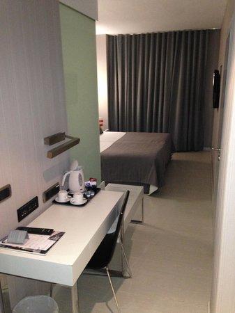 Hotel Isla Mallorca & Spa: desde la entrada de la habitación (con el servicio de té / infusiones gratuito)