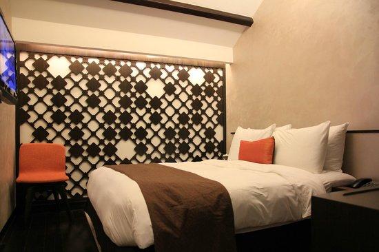 Naumi Liora: room