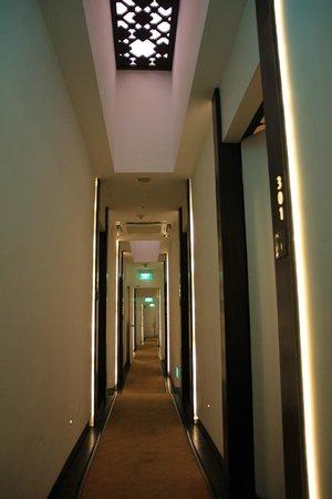 Naumi Liora: sloping hallway....