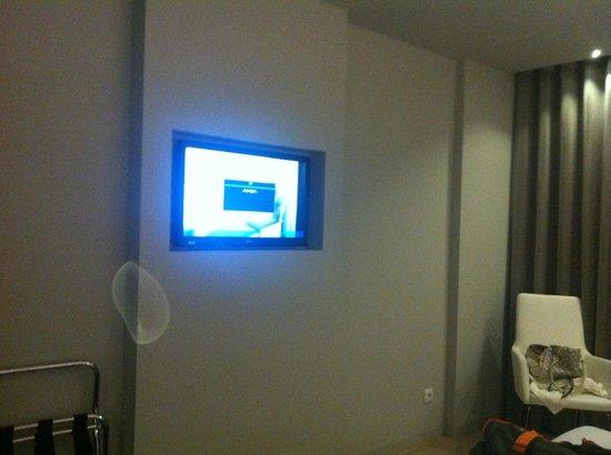 TRYP Lisboa Aeroporto Hotel : TV