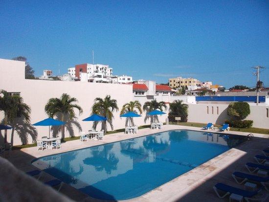 Hotel Bonampak: Espace piscine - 19/02/14