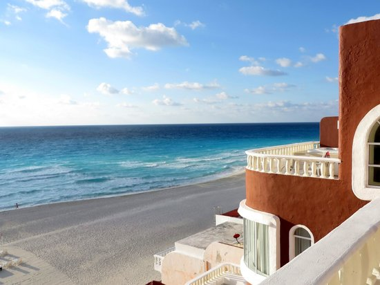 Mía Cancún: view from balcony, room 408