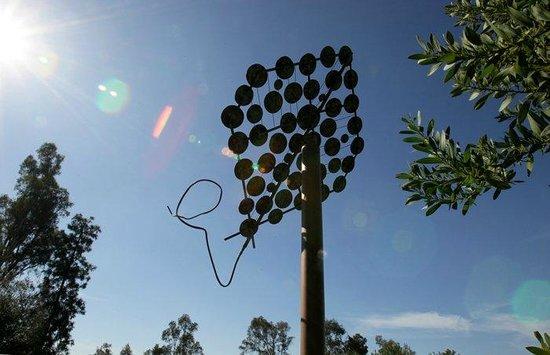 Alta Vista Botanical Gardens: Kite sculpture by local Sculptor Charles Bronson