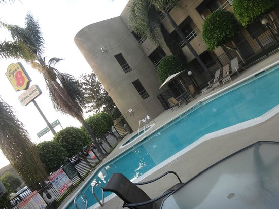 Travelodge Commerce Los Angeles Area: piscina modern