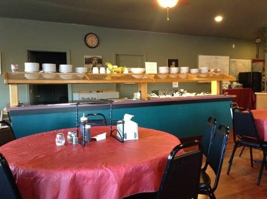 Van Buren, MO: Salad Bar