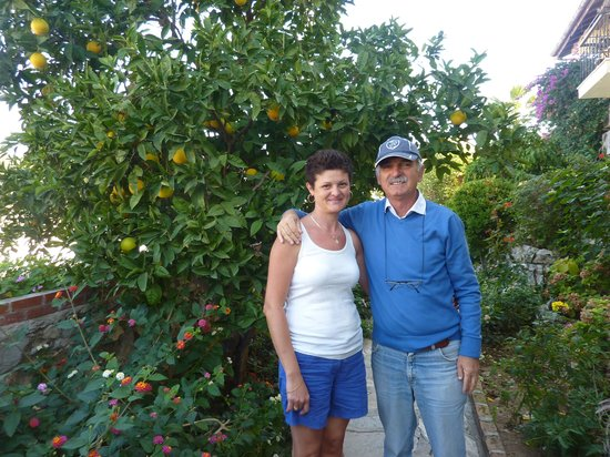 Caretta Apart Hotel: With Dr Can Bey with the beautifully taken care of orange trees behind