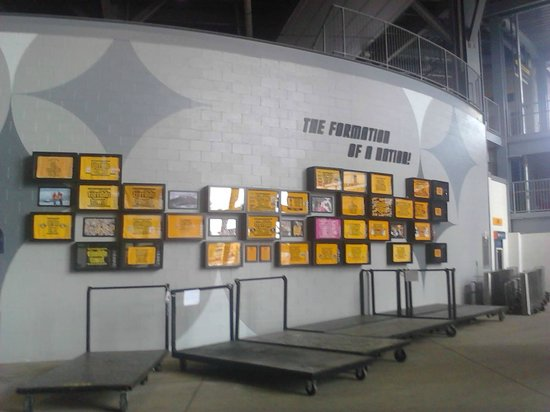 Heinz Field : wall of towles