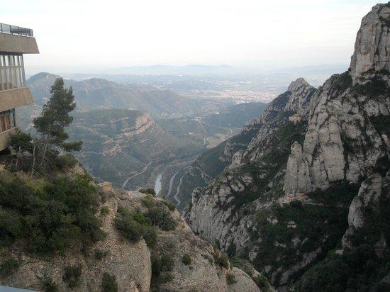 Montserrat Monastery : Vista desde la llegada