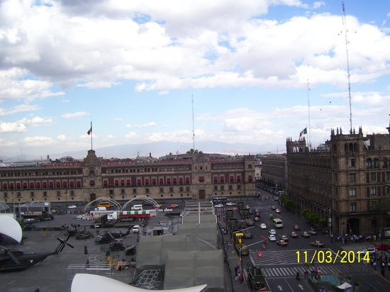 Gran Hotel Ciudad de Mexico: The square.