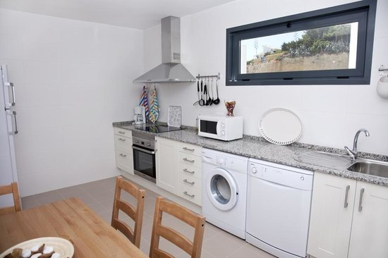 Apartamentos Mirador del Prado: Full equipped kitchen