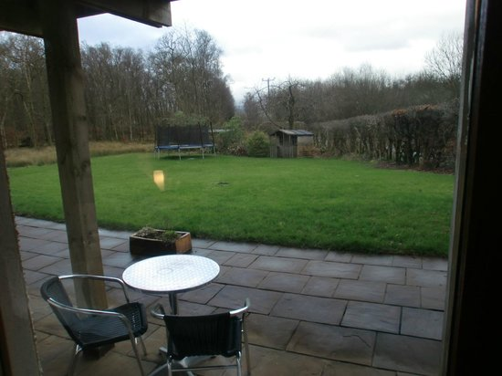 Bramblewood Bed & Breakfast: Garden accessed from our room