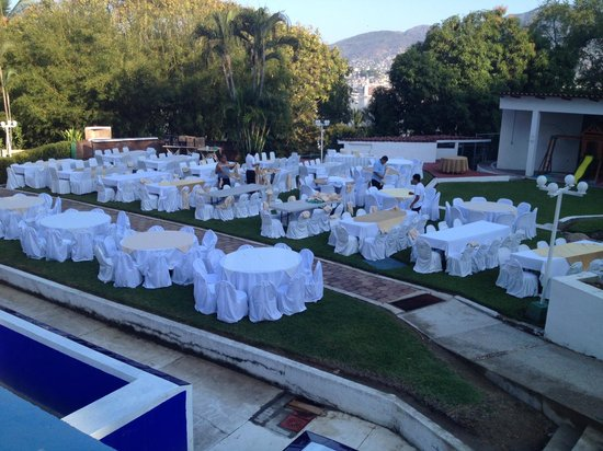 Acapulco Majestic del Aristos: getting ready for a wedding reception