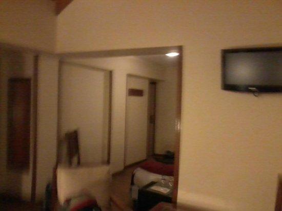 Hotel Cambria: j