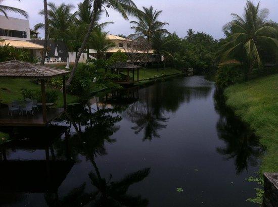 Bahia Plaza Hotel: Caminho para a praia