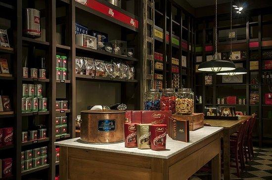 Baño Discapacitados Normativa:Venta de productos premium, chocolates Lindt, Café y Máquinas illy y