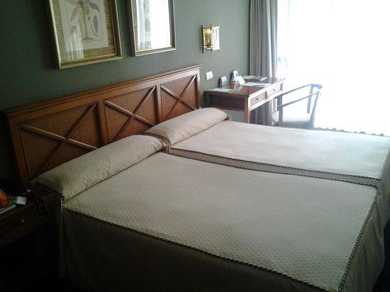 Hotel San Sebastian: Habitación doble de dos camas. Amplia y cómoda.