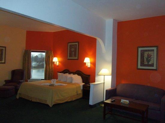 Quality Inn: Suite