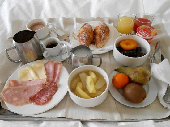 Starhotels Terminus: Breakfast room service