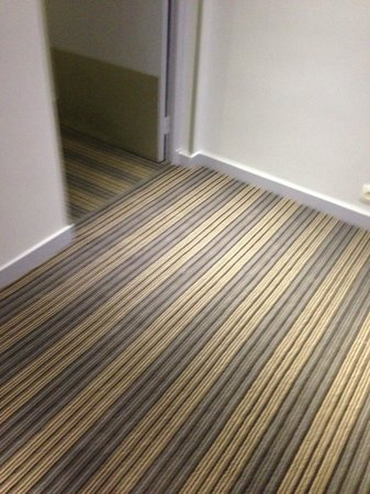 Hotel Cervantes by HappyCulture: New carpet. Enjoy!