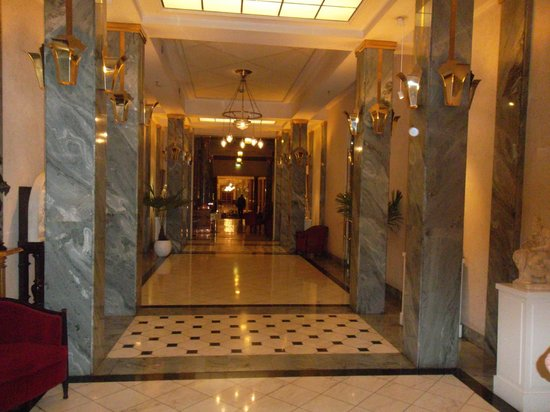 Belmond Grand Hotel Europe: ))))