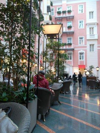 Belmond Grand Hotel Europe: Мезонин