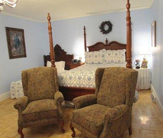 Brambleberry Bed & Breakfast: Wedgwood Room