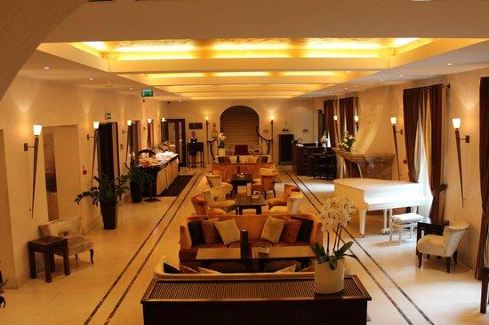 Mamaison Hotel Le Regina Warsaw: Main hotel lobby