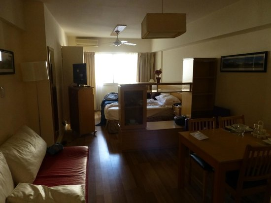 Callao Suites: room