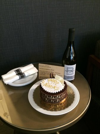 Refinery Hotel: Birthday treats waiting for us upon arrival!