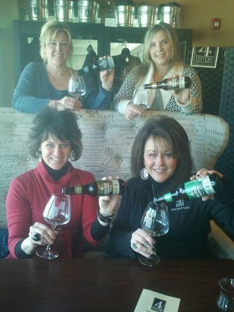 4 Sisters Wine Bar and Tapas Restaurant: 4 Sisters not only enjoys great wine but also awesome beers