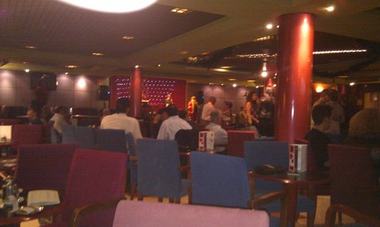 Hotel Benidorm Plaza: Lounge-Bar & Dance floor