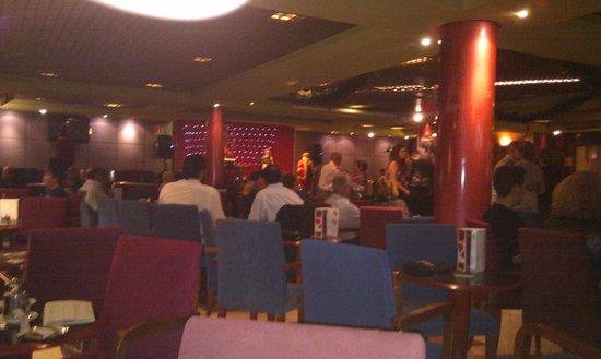 Hotel Benidorm Plaza : Lounge-Bar & Dance floor