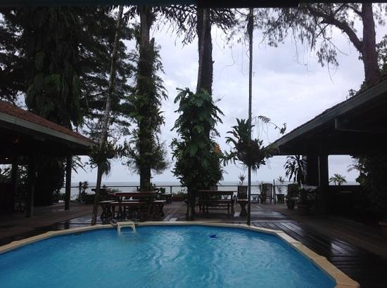 Walindi Plantation Resort: Lookiing out on Kimbe Bay during the rainy season