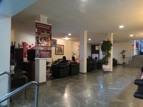 Aguas do Iguacu Hotel Centro: recepcao, sala de tv