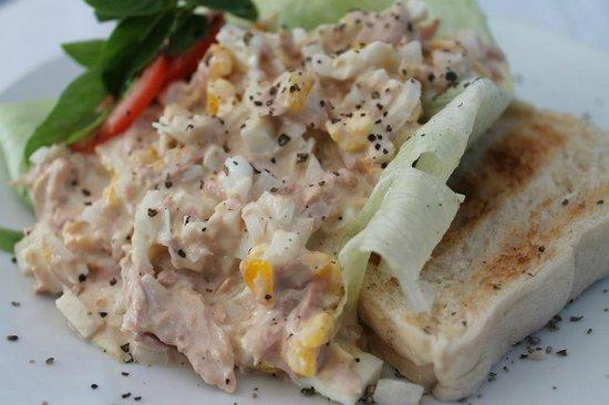 Le Dan Seafood Restaurant: Tuna Salad