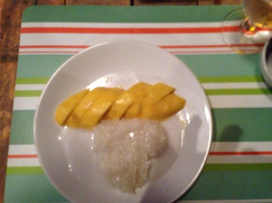 Mango Tree Restaurant & Bar Lipa Noi, Samui: mango slice rice, un délice!