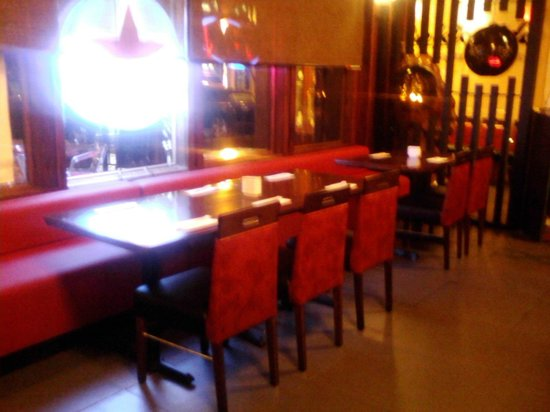 Hokkaido Sushi Bar and Japanese Restaurant: tables for romance or friendship